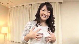 Hinata Komine dazzling POV toy porn casting