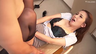 FSDSS124 Ayaka Tomoda MemoJav.com A Perverted Female Teacher Who Loves D***king Sperm Special D***king Class