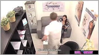 Brunette babe with doctor amazing sex