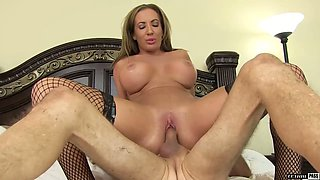 Crazy and passionate sex with bodacious step mommy Richelle Ryan
