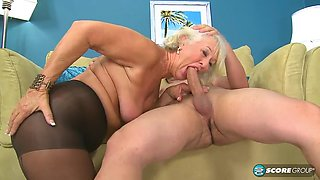 Old housewife fucked hard by a younger guy