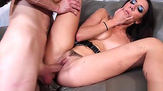 Goth babe with perfect ass gets fucked deeply