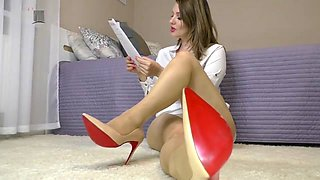 Heels tease with story telling
