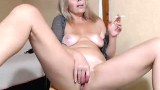 Smoking MILF MBing