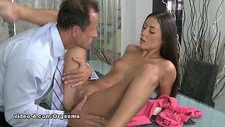 Fabulous pornstar in Hottest Cunnilingus, HD xxx video