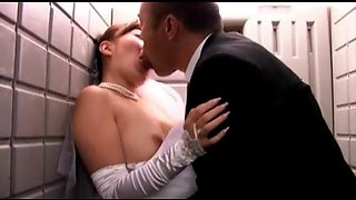 Cuckold japanese woman on the wedding day (full: bit.ly2phtjtr)