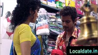 Hot Bhabhi  ko Nahate huye dekha or mast Choda