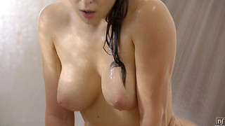 Leah Gotti Wet and Wild in the shower
