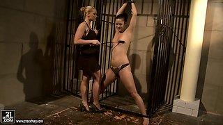 Kathia Nobili spanking a hottie babe on the face