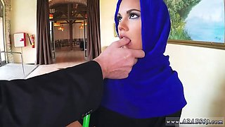 Arab doctor I can see she has not much money