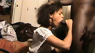 Sexy ebony girl offers a hung black guy a perfect blowjob
