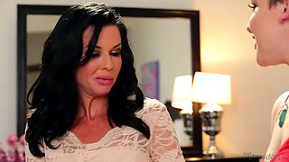 Coming Out To Mommy - Veronica Avluv, Katie St. Ives