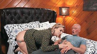 Bald guy and his curvy girlfriend copulate in the bedroom