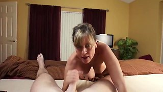 Sexy mature milf gets her cunt filled up with cum by her stepson