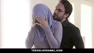 Teensloveanal teen in hijab gets analed