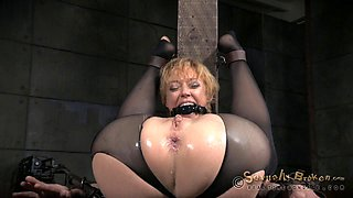Bendy babe's tight ass fucked hard by a massive black boner