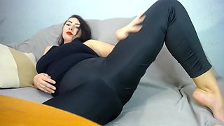 Hot Chubby Brunetter Mastubate In Finess Clothes After Hot Exercise In Gym !jump On The Toy !