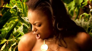 Muscled man pokes ebony girl's pussy in a jungle before cumshot0