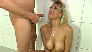 Crazy pee fetish whore Lana Vegas hooks up with one young dude in the shower