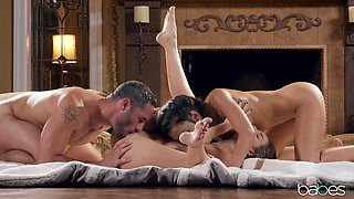 Never ending passion in dirty threesome for two amazing girls