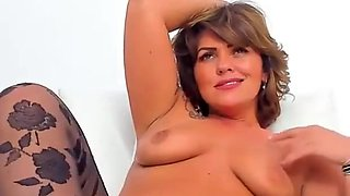 Gorgeous Hot MILF Flashing On Live Webcam
