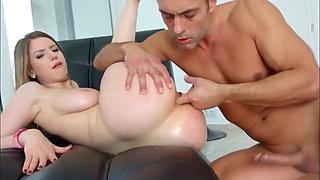 Busty girl – homemade sex
