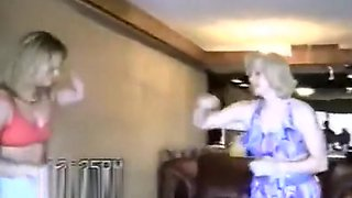 Chelsea vs Robbie vintage housewife catfight