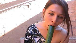 Preciosa anglosajona veggie cucumber insertion public place