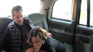 Too hot taxi driver gal fucks dude