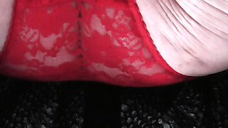 Mature amateur takes her first panty cumshot