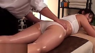 Japanese massage with cute 18yo turns in sex