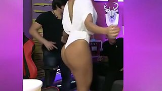 Brazilian TV girls with big cleavages