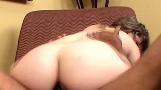 Curvy porn midget sucks and fucks big cock