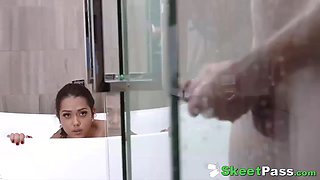 tiny latina teen esperanza del horno fucked hard in shower