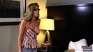Taboo milf seducing pussy of les stepdaughter