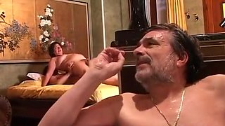 Horned husb. in the jacuzi the waiters cock in wifes pussy