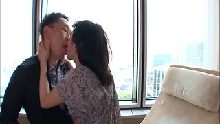 Good kissing leads to hardcore drilling in Asian compilations