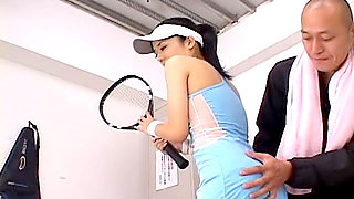 After a tennis lesson, Sora is in the locker room with her boyfriend