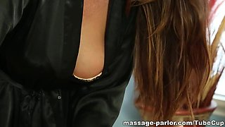 Massage-Parlor: Just 200$