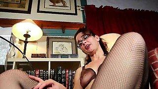 American milfs Hope and Sable masturbate in white panties
