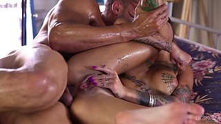 Oiled Bonni anal pleasured hardcore while she moans