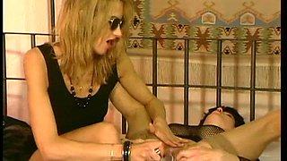 Old Skank Gets Her Holes Abused Vintage Scene