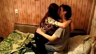 Asian couple passed the night by kissing , sucking and having wonderful se