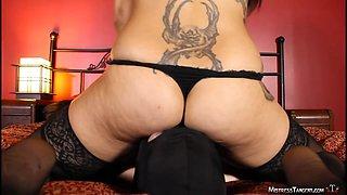 Mistress Tangent femdom face sitting