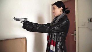 TongYa, Female officer, Part 1