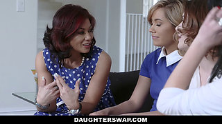 DaughterSwap - Two Hot Moms Teach Their Daughters Lesbo Sex