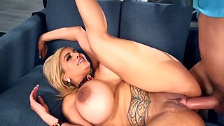 Sexy Housewife Amber Alena Has A Dirty Little Secret