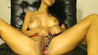 HOT Desi Babe Toys her Tight Cunt