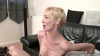 Skinny French mature cougar anal