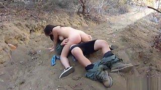 Pretty amateur girl banged by Mexican border patrol agent